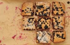 vegan blackcurrant cake
