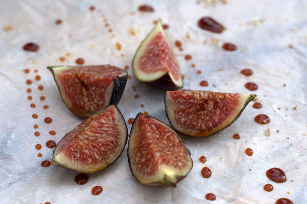 chocolate cake with fig